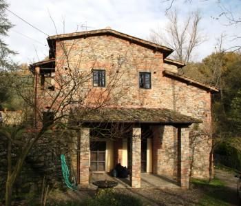 Vendita rustico casale figline valdarno firenze case in for Case antiche ristrutturate